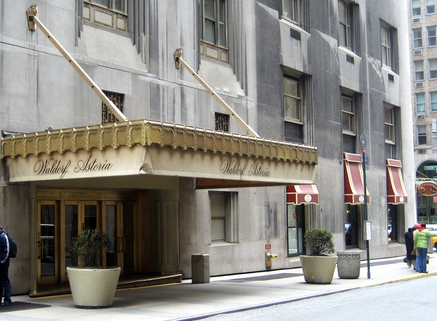 Our top picks for best brunches in new york for Waldorf astoria antiques